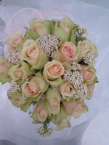 Brompton Floral Designs Wedding Flowers Central London UK NW4  La Belle Roses.